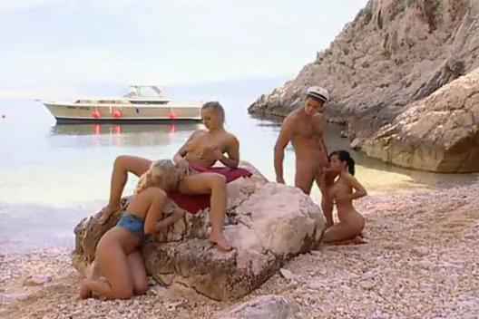 Maya Gold,Niky,Sandy Style Fuck Captain s Cock On Rock
