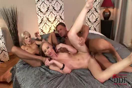 Gitta Blond and Wiska Group Sex