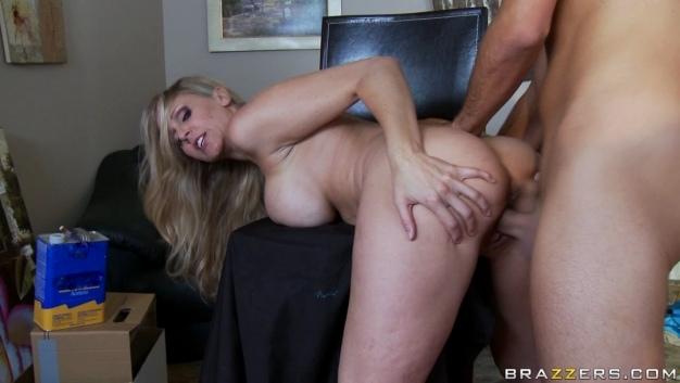 Julia Ann - Pornstar