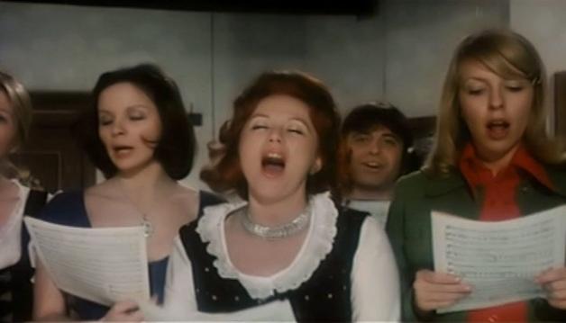 Alpengluhn im Dirndlrock - 1974