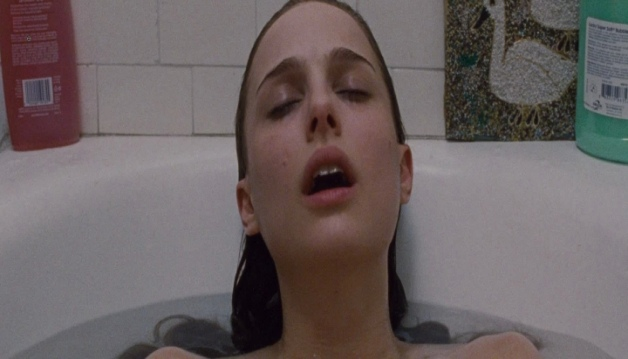 Natalie Portman And Mila Kunis in - black swan - HD