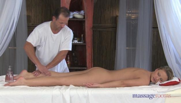 Samantha - Massage