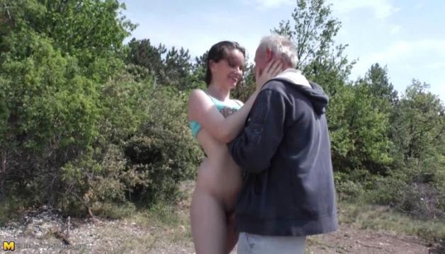 Leika, oldmen