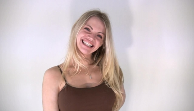 Alex, SEXY Blonde