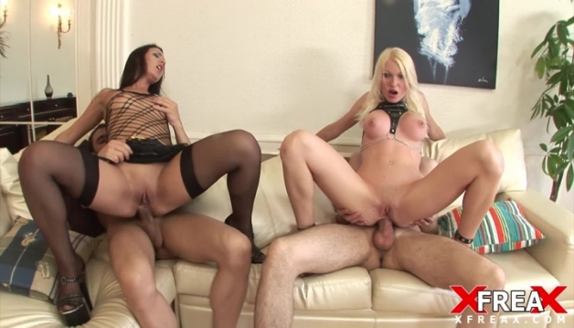 Amber, Jenny Simpson - Group Sex