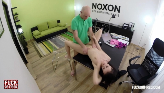 Veronika, Sex in the office