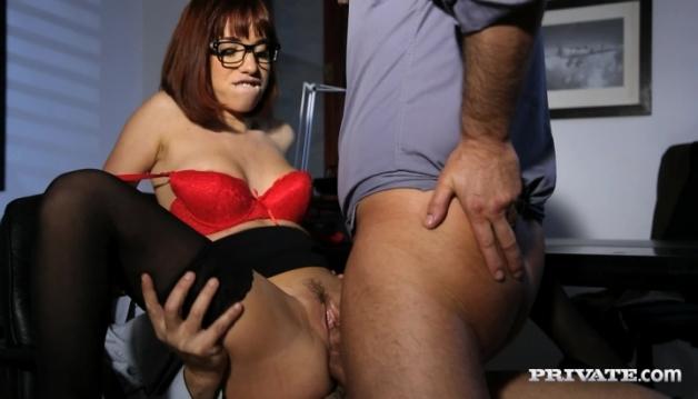 Brunette secretary Tina Hot
