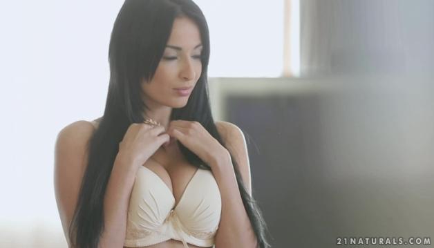 Anissa, Babe