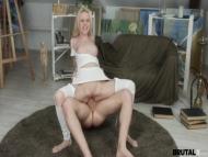 Skinny Blonde Girl Debbie, Har
