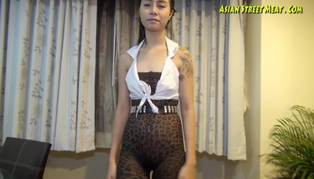Asian sluts, Seua Dow