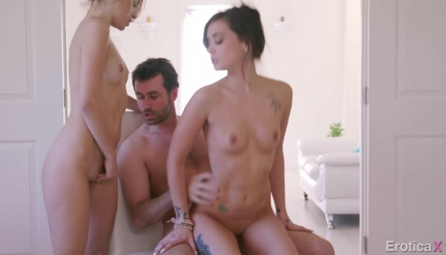 Kimmy, Gia - Threesome